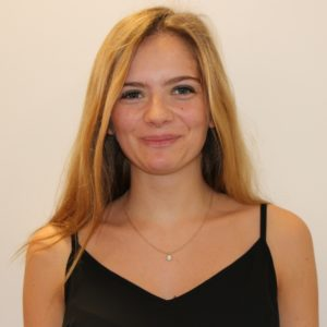 Léana                                        , Bachelor in Business development