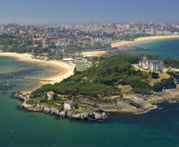 EKLYA International: Cesine, Santander, Espagne